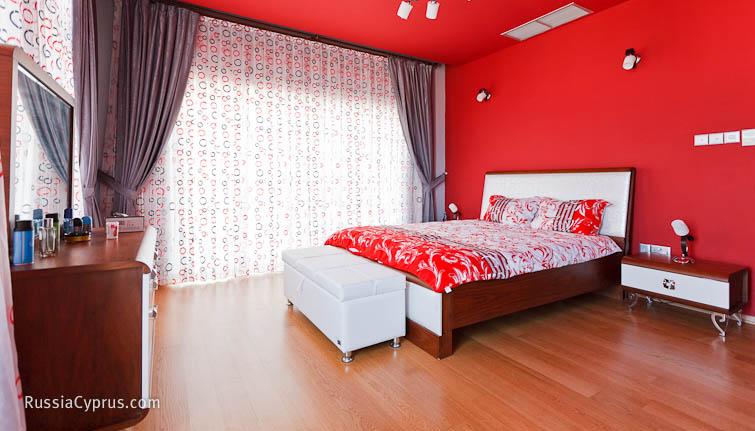 спальни в красном цвете фото:
